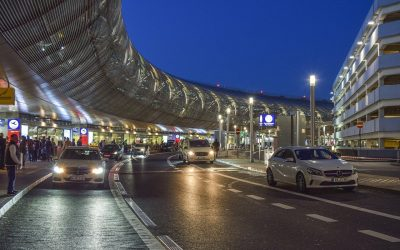 The Benefits of Booking Your Airport Travel With Woking Taxi